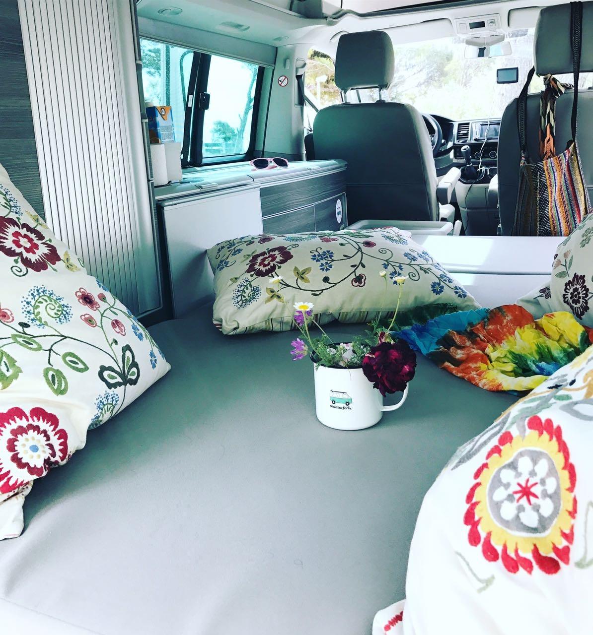 campingbus mieten berlin. Black Bedroom Furniture Sets. Home Design Ideas