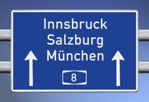 Wegweiser auf A8, Richtung Innsbruck, Salzburg, Mnchen