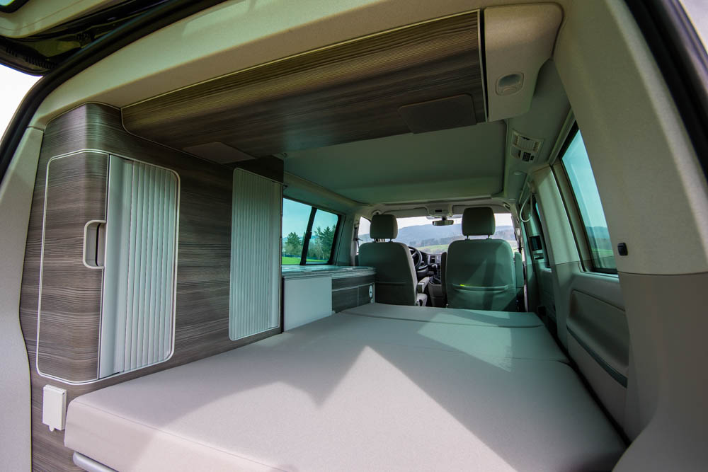 vw t6 california mieten auf. Black Bedroom Furniture Sets. Home Design Ideas