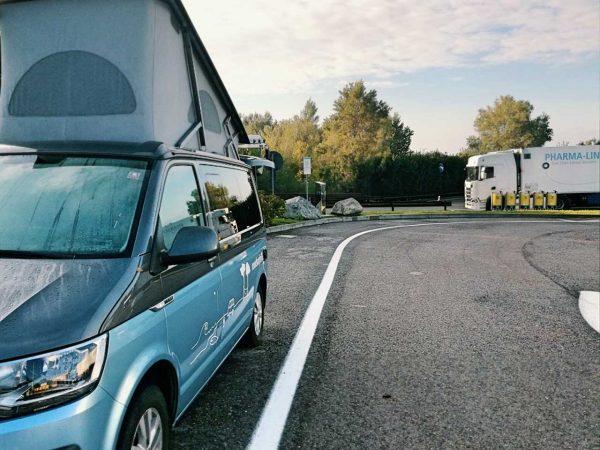 Roadtrip Italien Bus außen
