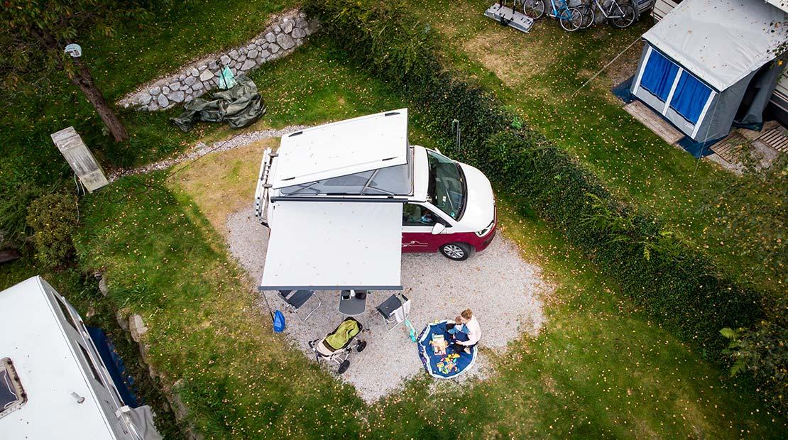 Camping mit Kleinkind Drohne
