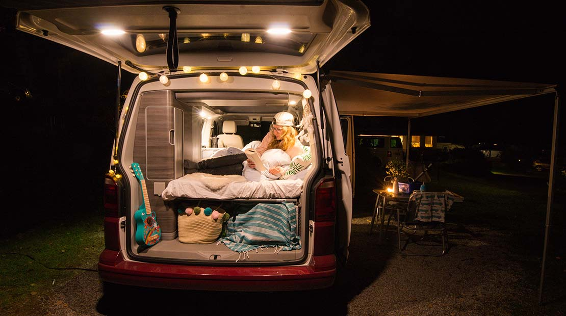 Camping mit Kleinkind Schlafen Heckklappe Betten