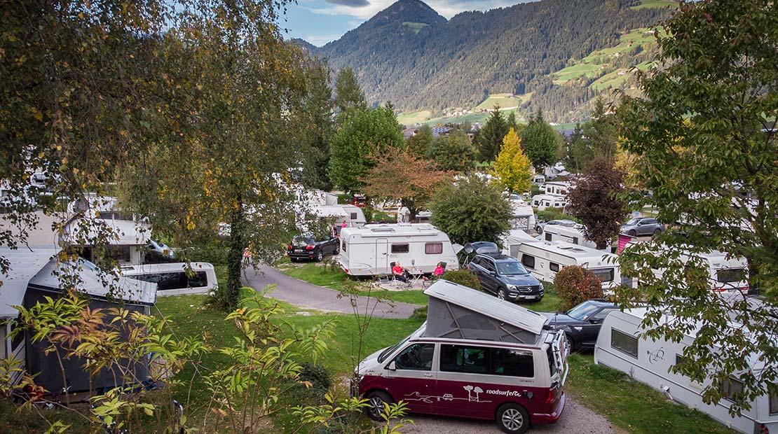 Camping mit Kleinkind roadsurfer Campingplatz Panorama
