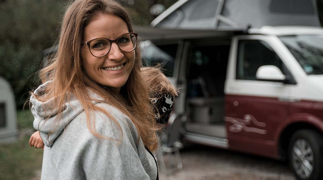 Camping mit Kleinkind roadsurfer Mama Baby