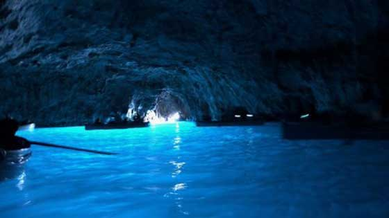 Camping with children in southern Italy grotto