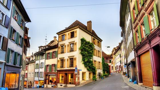 Campingbus mieten Basel Altstadt