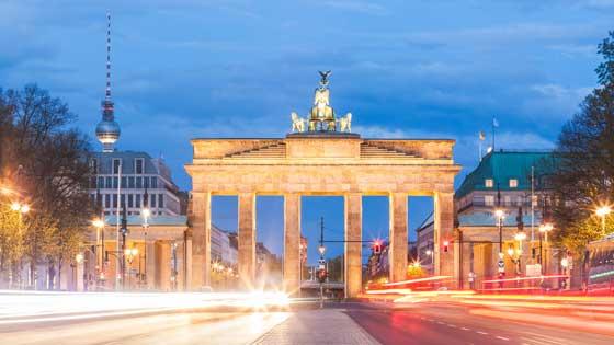 Campingbus mieten Berlin Brandenburger Tor
