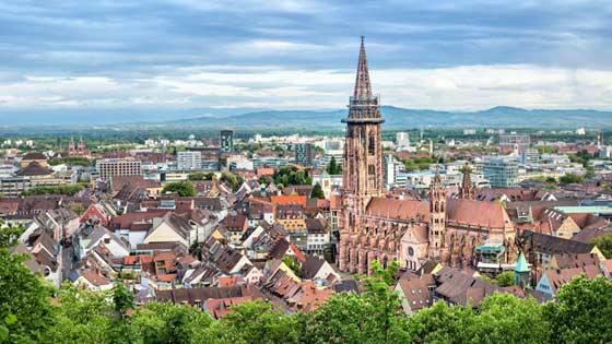 Campingbus mieten Freiburg Panorama Münster