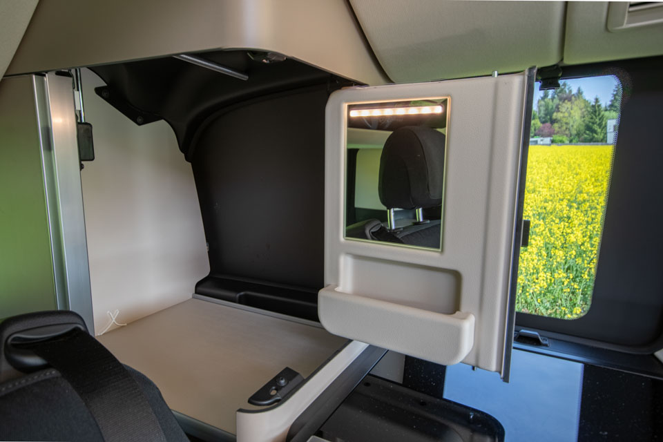 roadsurfer Travel Home Mercedes Marco Polo Heckschrank