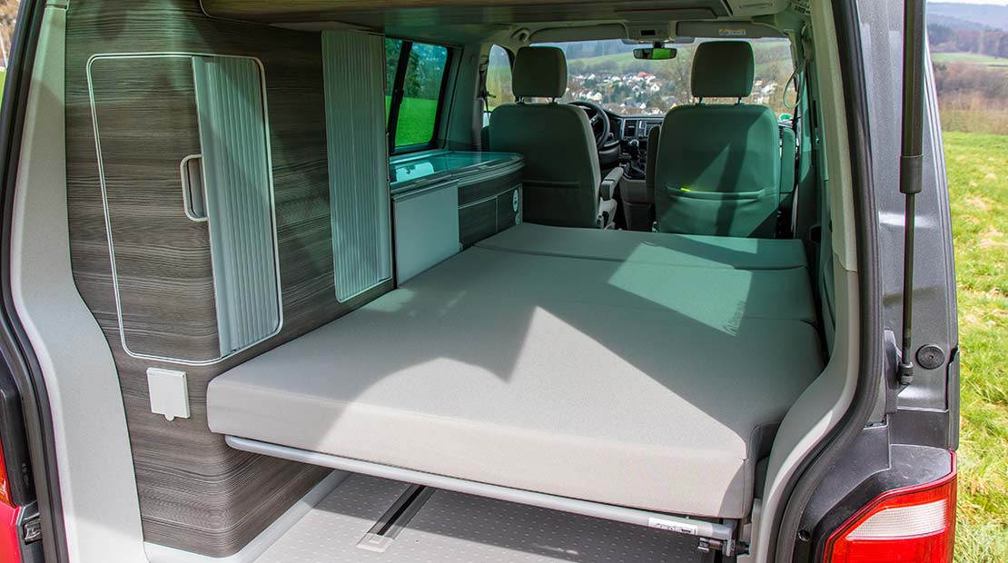 VW California Ocean Innenraum-Surfersuite
