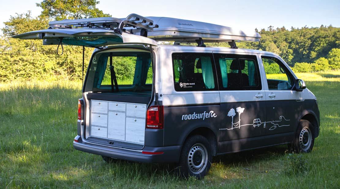 VW Camper mieten roadsurfer Beach Hostel
