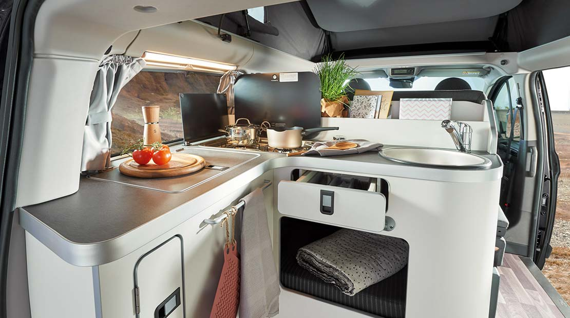 Alquilar Ford Nugget Cocina