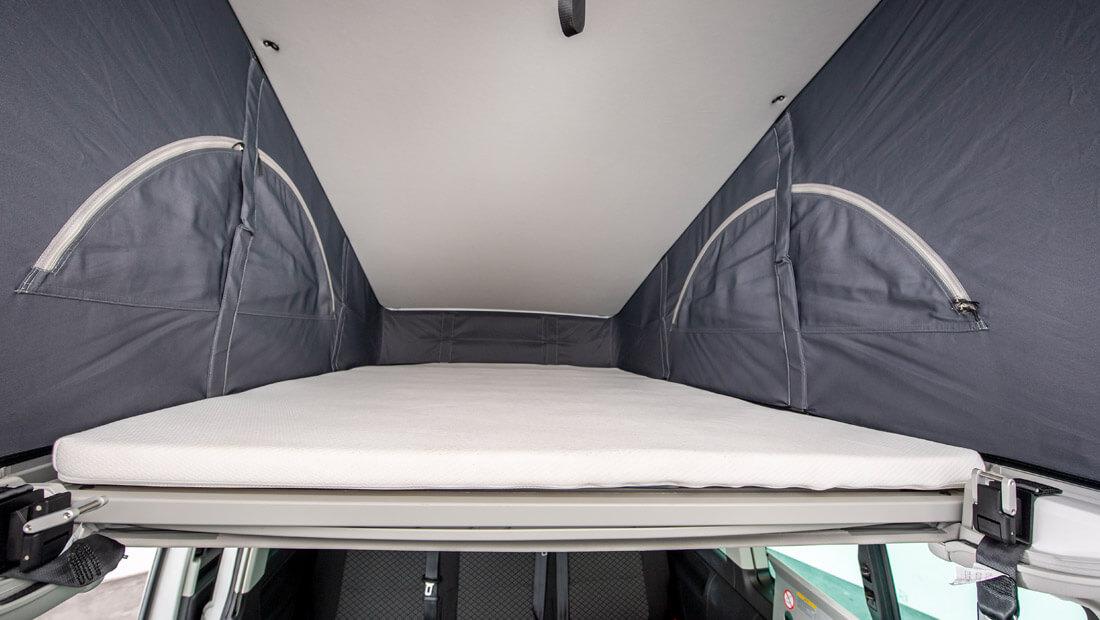 Beach Hostel Deluxe upper bed