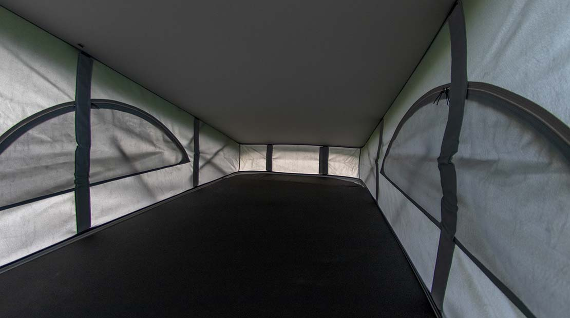 Camper Dog Hostel Deluxe bed