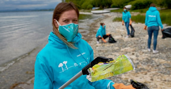 collecting rubbish at Lake Constance