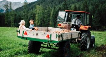 Landhotel Stern Traktor fahren
