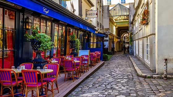 location campervan Paris Cafe