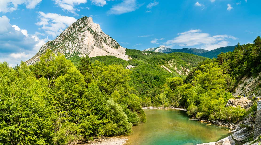 Location d'un campervan à Aix-Marseille : explorer les Gorges du Verdon