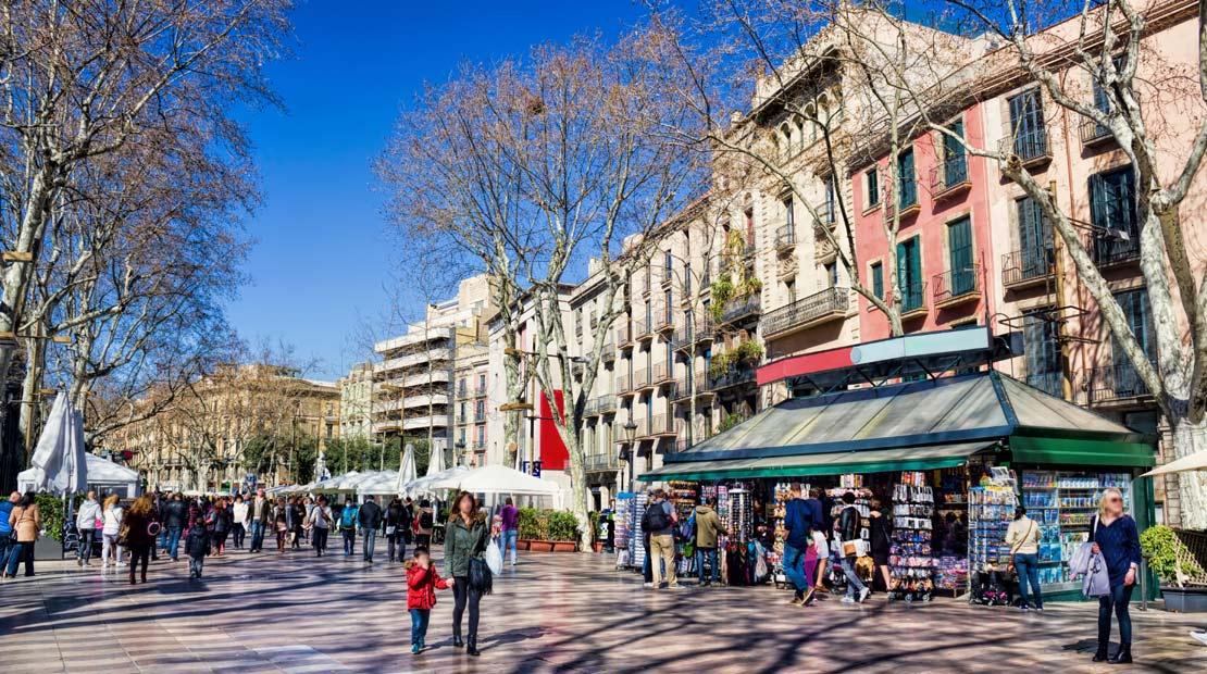 Location d'un campervan à Barcelone : explore la ville et La Rambla