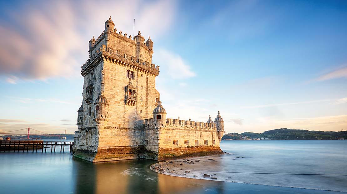 Location d'un campervan à Lisbonne - La tour de Belem