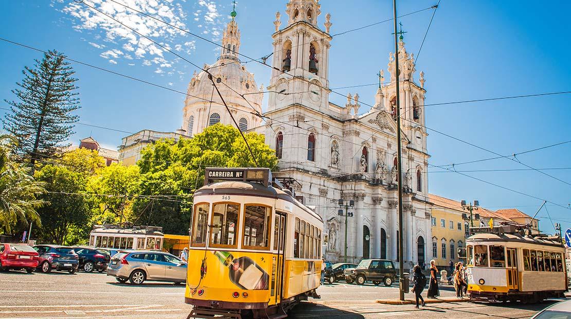 Location d'un campervan à Lisbonne - Le Tramway