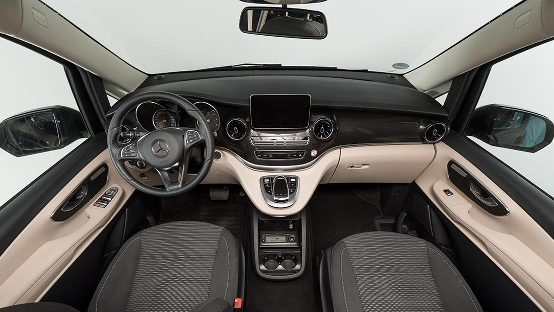 roadsurfer travel home deluxe cockpit